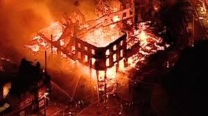 Croydon furniture shop burning to the ground